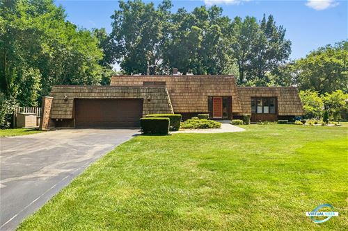 28W021 Timber, West Chicago, IL 60185