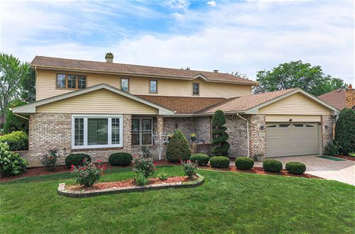 303 Waterford, Willowbrook, IL 60527