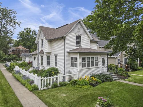 935 S 3rd, St. Charles, IL 60174