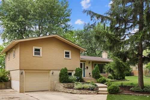 6818 Meadow Crest, Downers Grove, IL 60516