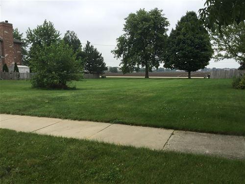 25223 Round Barn, Plainfield, IL 60585