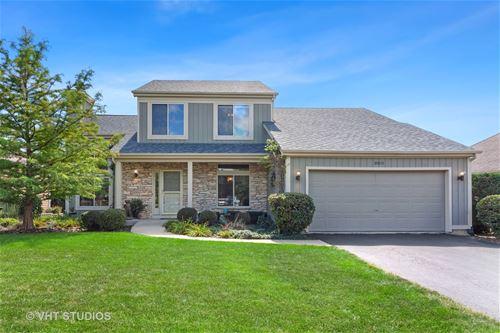 950 Meadow Ridge, West Chicago, IL 60185