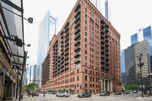 165 N Canal Unit 631, Chicago, IL 60606