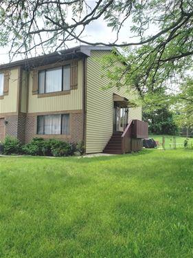 2187 Leeward, Hanover Park, IL 60133