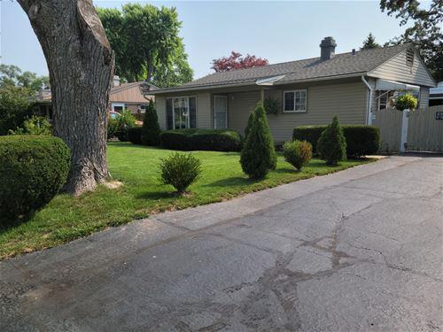 11 Evergreen, Carpentersville, IL 60110