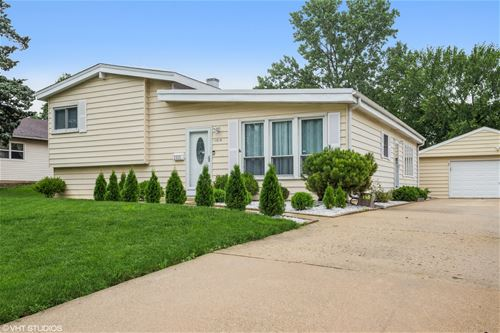 1515 Larry, Glendale Heights, IL 60139