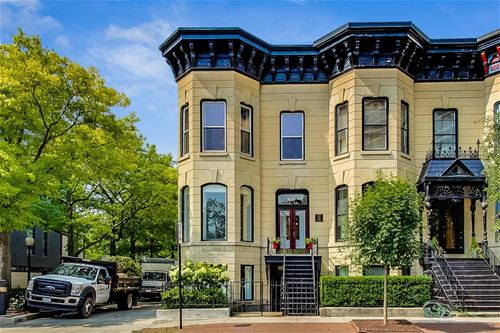 1928 N Lincoln, Chicago, IL 60614