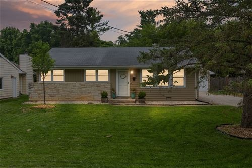 16160 W Arlington, Libertyville, IL 60048
