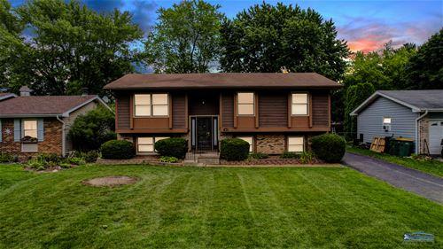 577 Pierce, Grayslake, IL 60030