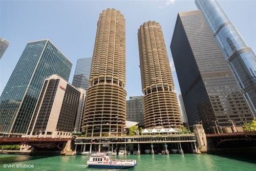 300 N State Unit 4207, Chicago, IL 60654