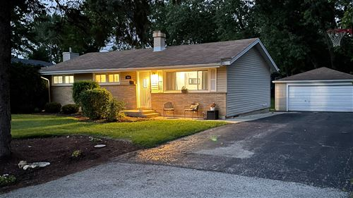 913 Evergreen, Glen Ellyn, IL 60137
