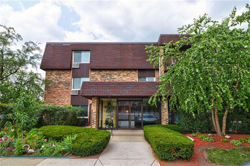 910 E Old Willow Unit 110, Prospect Heights, IL 60070