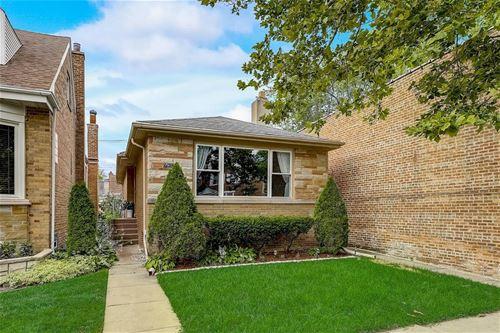 6255 W Peterson, Chicago, IL 60646