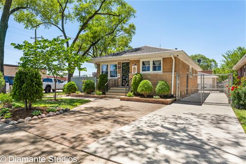 536 Hyde Park, Bellwood, IL 60104