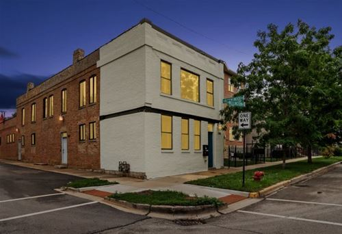 1758 W Wellington, Chicago, IL 60657