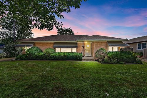 1033 Meadowcrest, La Grange Park, IL 60526