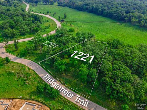 1221 Ridgemoor, Bull Valley, IL 60098