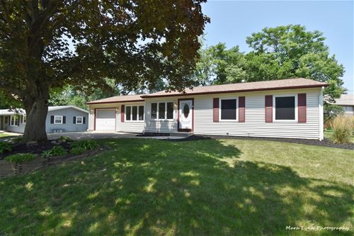 530 Moore, St. Charles, IL 60174