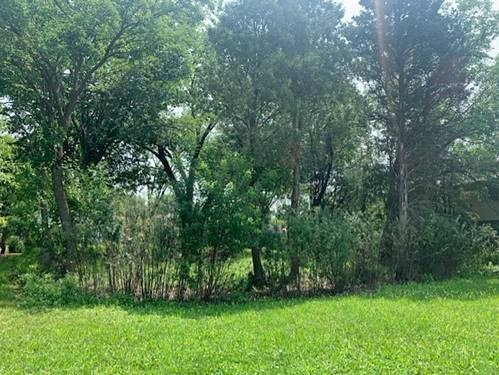 665 Castlewood, Deerfield, IL 60015