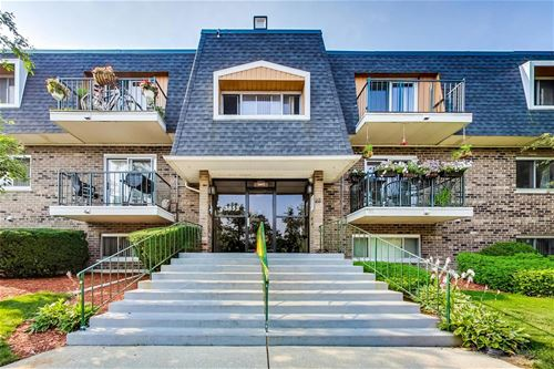 3853 N Parkway Unit 1A, Northbrook, IL 60062