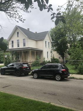 1756 W Henderson, Chicago, IL 60657
