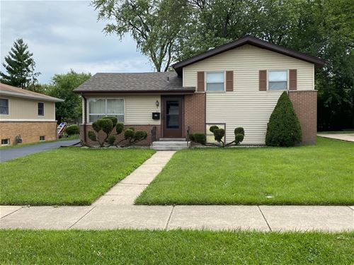 443 W Moreland, Addison, IL 60101