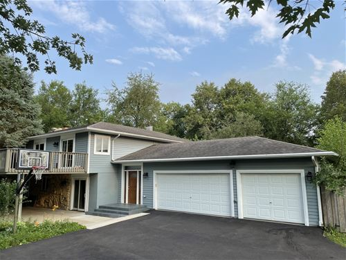 24475 N Hickory Nut Grove, Cary, IL 60013