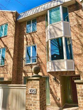 105 Bishop Quarter, Oak Park, IL 60302