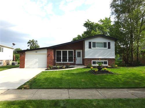 103 W Rozanne, Addison, IL 60101