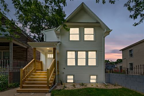 2526 N Springfield, Chicago, IL 60647