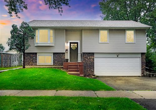 138 Jacobsen, Glendale Heights, IL 60139