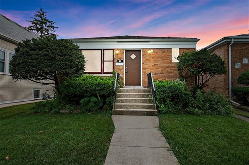 1172 S Grove, Oak Park, IL 60304