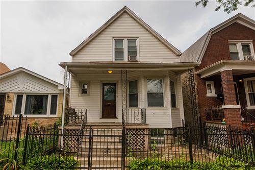 2734 W Nelson, Chicago, IL 60618