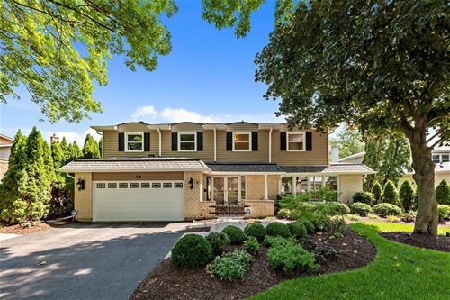 28 W Brookwood, Arlington Heights, IL 60004