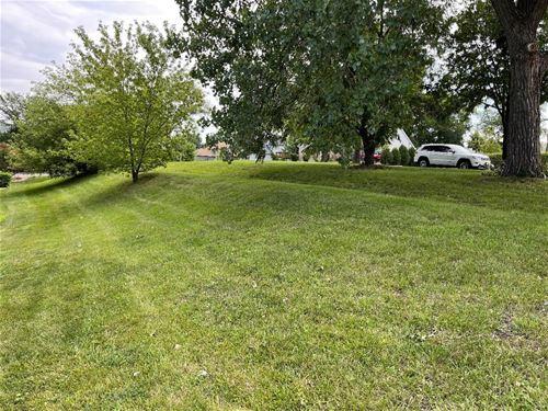 1161 S Finley, Lombard, IL 60148