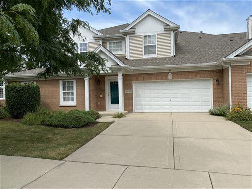 2592 Camberley Unit 2-811, Westchester, IL 60154