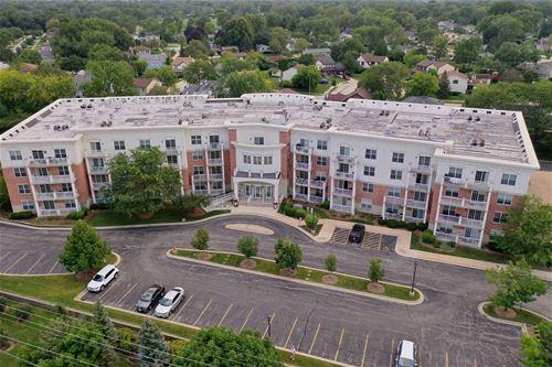 601 W Rand Unit 201, Arlington Heights, IL 60004