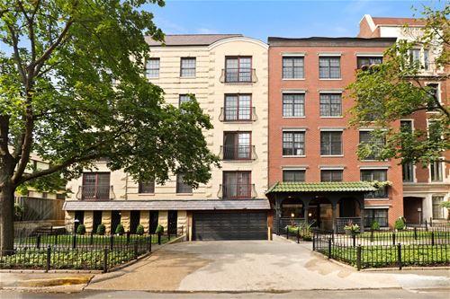 512 W Barry Unit 306, Chicago, IL 60657