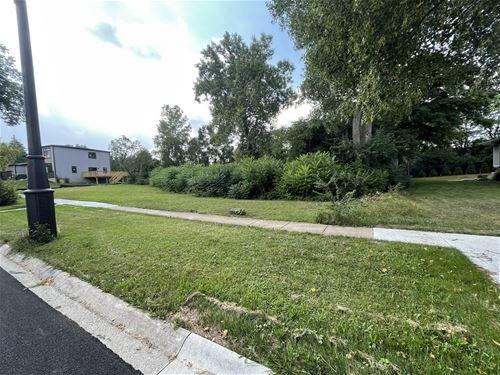 2261 Midhurst, Downers Grove, IL 60516