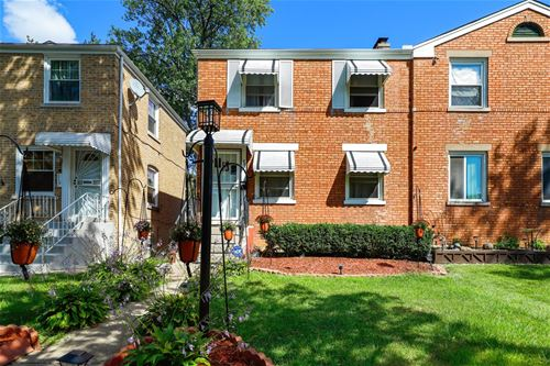 321 Hyde Park, Bellwood, IL 60104