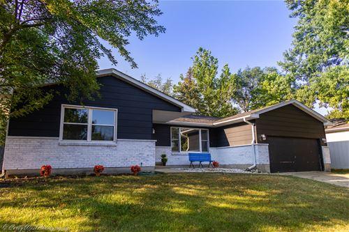 1714 Brookhill, Sycamore, IL 60178