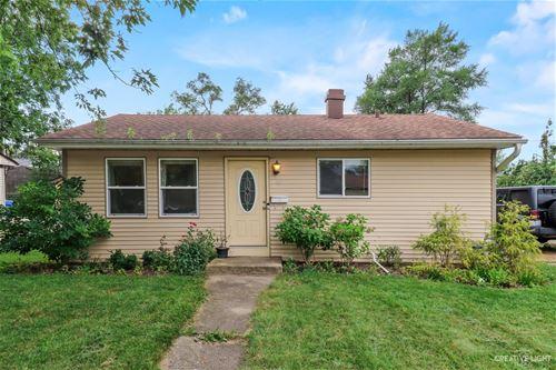 42 Ash, Carpentersville, IL 60110