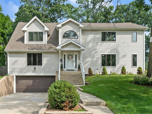 737 Spring, Roselle, IL 60172