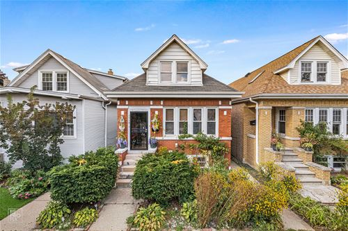 5718 W Giddings, Chicago, IL 60630