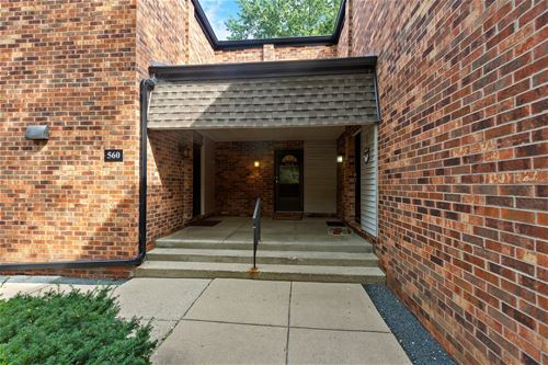 560 W Northwest Unit B, Palatine, IL 60067