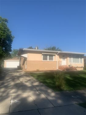 232 Brentwood, Chicago Heights, IL 60411