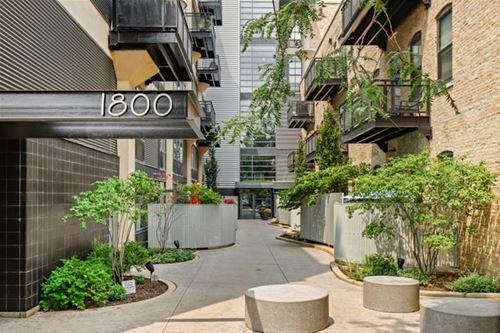 1800 W Grace Unit 414, Chicago, IL 60613
