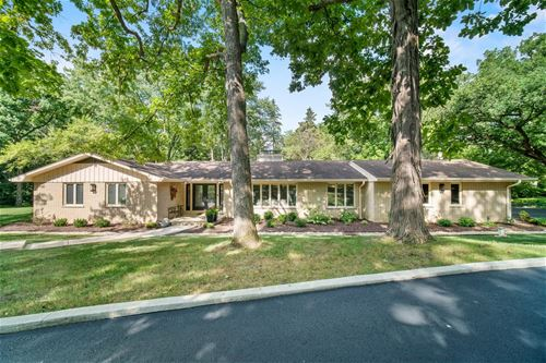 7N080 Hickory, St. Charles, IL 60174