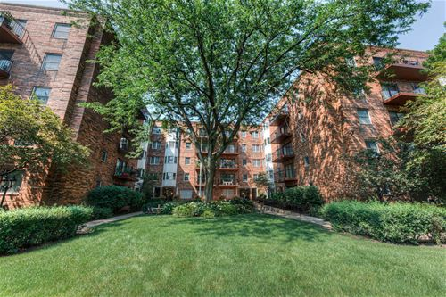 1501 Oak Unit 204, Evanston, IL 60201