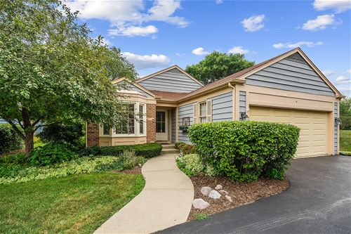 4 The Court Of Tyronwood, Northbrook, IL 60062